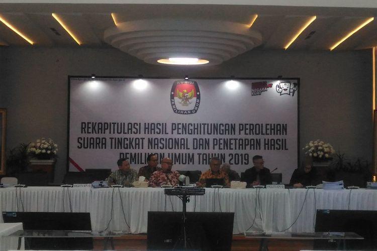 merekatkan kembali persatuan sapa indonesia malam
