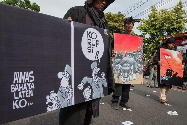 Poster Korupsi Terbaik Korupsi orba Dinilai Penting Jadi Materi Debat Capres